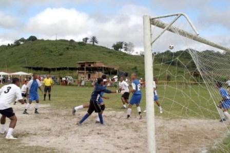 Treze jogos agitam o Interbairros neste domingo - Foto: Waldyr Gomes