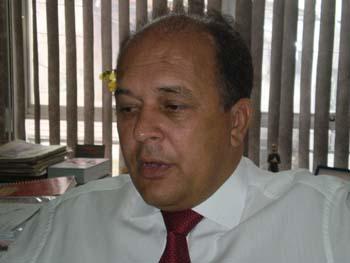 Dinailton defende extinção do Ipraj e condena mega-escritórios.