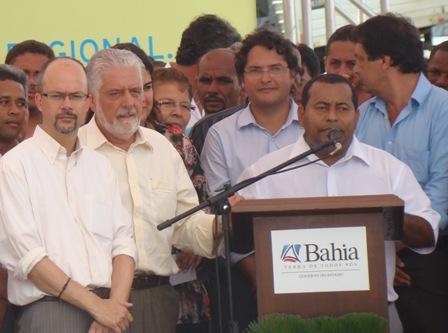 O prefeito Tonho de Anízio aplicou o golpe do pitu no governador