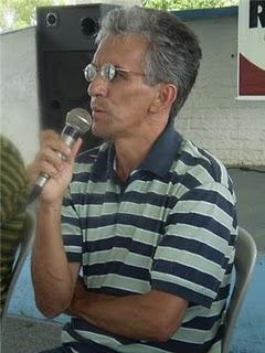 Célio Costa pede demissão.