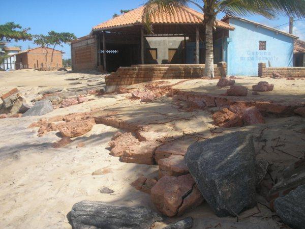 Barracas serão removidas da praia do Mar Moreno.