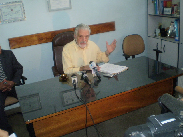 Governador fala de socorro aos estados e de prioridades para 2009 (Foto Pimenta na Muqueca).