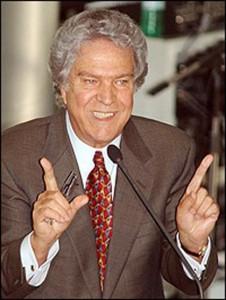 Ministro Hélio Costa.