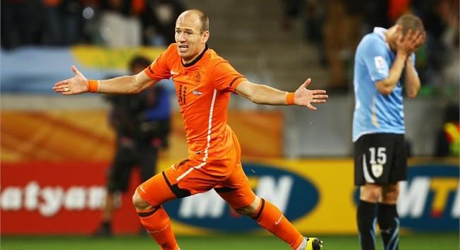 """Robben, o terrível, foi um dos destaques holandeses na vitória sobre o Uruguai, último """"pedaço"""" de resistência americano na Copa 2010 (Foto Getty Images/Fifa)."""