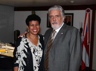 A prefeita Josefina Castro e o governador Jaques Wagner