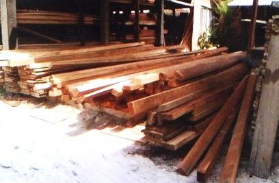 Madeira ilegal apreendida em serraria de Itabuna.