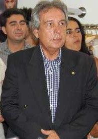O deputado Paulo Magalhaes 'inovou' ao prometer verba para estádio, dividida em três parcelas anuais