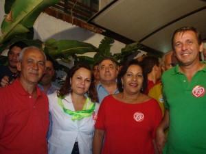 Acácia, de branco, dá novo zignal nos políticos: agora quer trocar o PMDB pelo PV e levar a presidência da Emasa.
