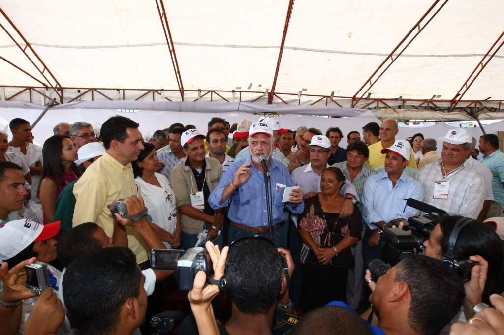 Governador na ExpoValença: apoio do PR para a reeleição em 2010.